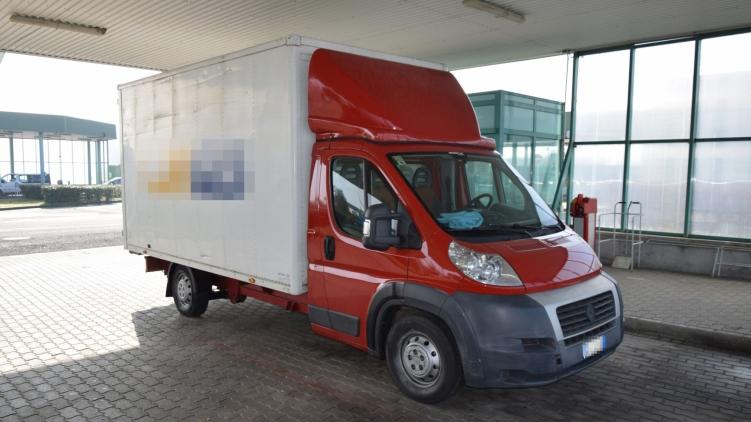 Шестидесятивосьмирічний італієць, який їхав на фургоні на італійських номерах, заїхав на КПП «Берегшурань» у суботу.