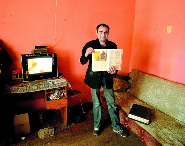 Закарпатський муздрамтеатр розпочав роботу над виставою «Чіріклі (Циганська мати) » за творами сучасного ромського письменника Миколи Бурмека-Дюрі із Виноградівщини.