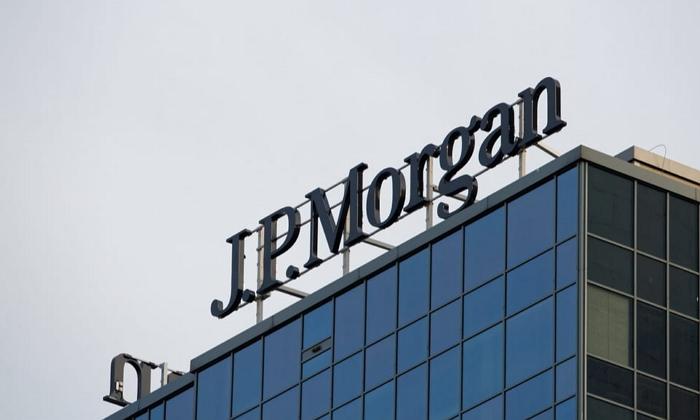 Прогноз зростання економіки України в 2019 році аналітики JP Morgan погіршили з 4,3% в жовтневому огляді до 4% ВВП, при цьому в 2020-му, як і раніше, очікують 3,8-відсотковий ВВП.