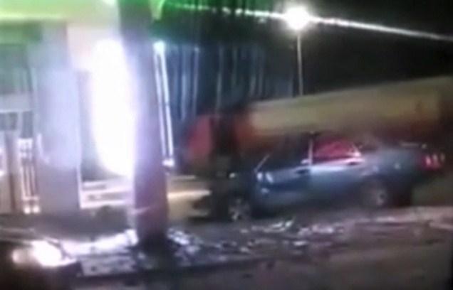 Автопригода трапилася вчора ввечері, дві автівки зіткнулися поблизу АЗС на в'їзді у м. Виноградів.