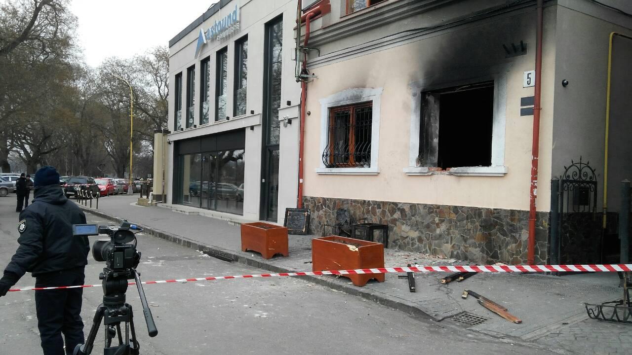 Суд вУжгороді заарештував підозрюваного у підпалі угорського центру до2 травня