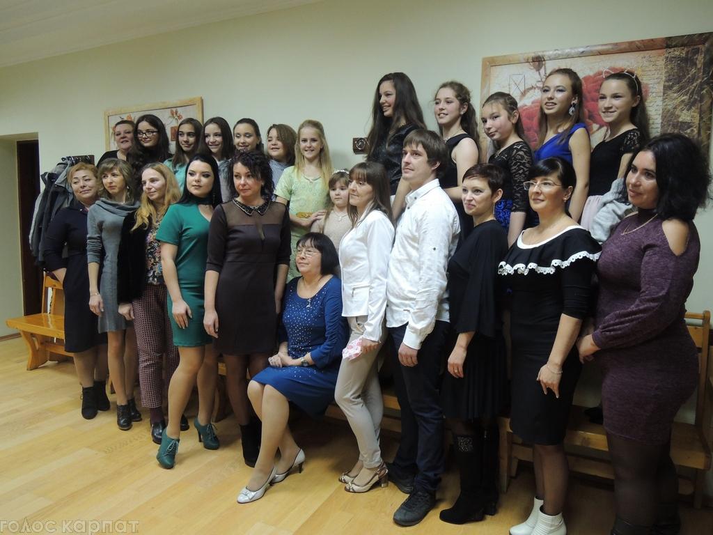 В Берегові відсвяткували 35 – річчя школи Юної Леді
