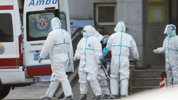 Світові ринки стрімко падають на новинах про поширення смертельного китайського коронавіруса.