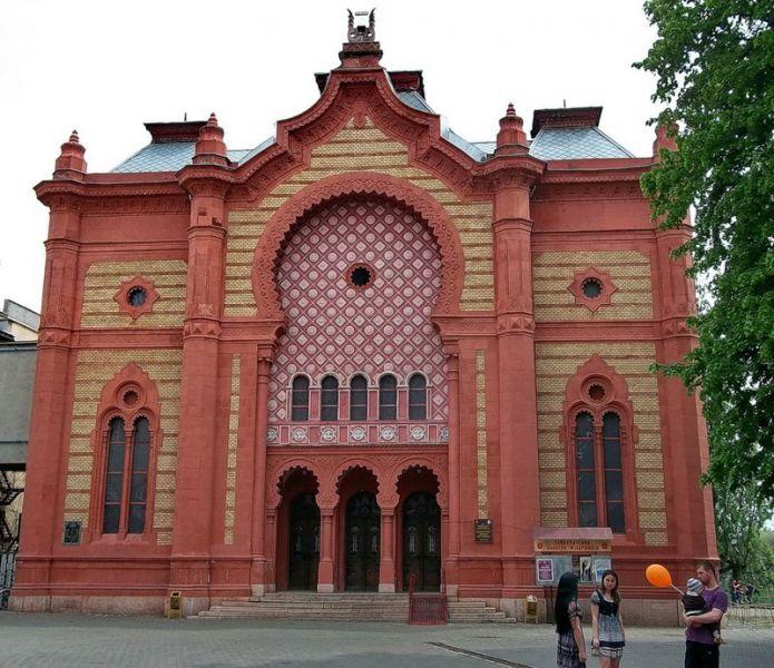Творчі колективи Закарпатської філармонії 17-21 серпня презентують серію концертних заходів  під відкритим небом.