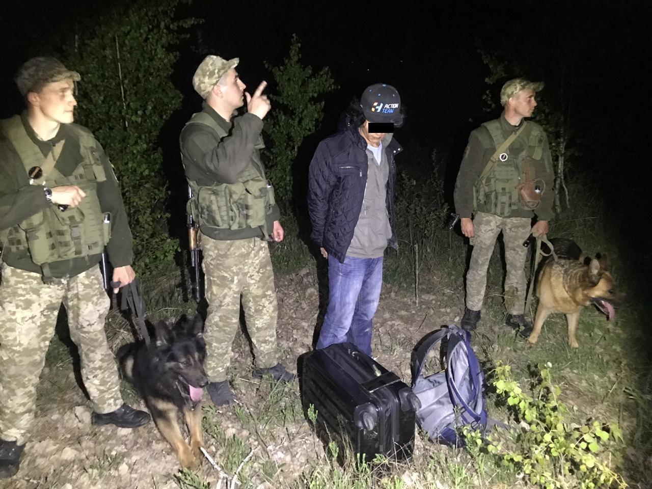 Два випадки порушення законодавства з прикордонних питань зафіксували протягом доби військовослужбовці Чопського загону.