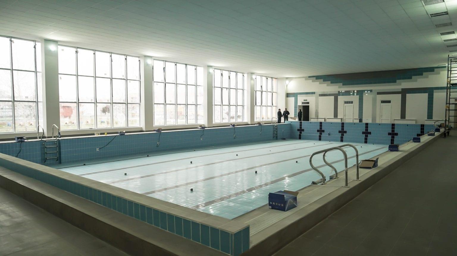 Заступник голови Закарпатської ОДА Іштван Петрушка: «Капітальний ремонт найбільшого шкільного басейну Ужгорода виконано на 95 %».