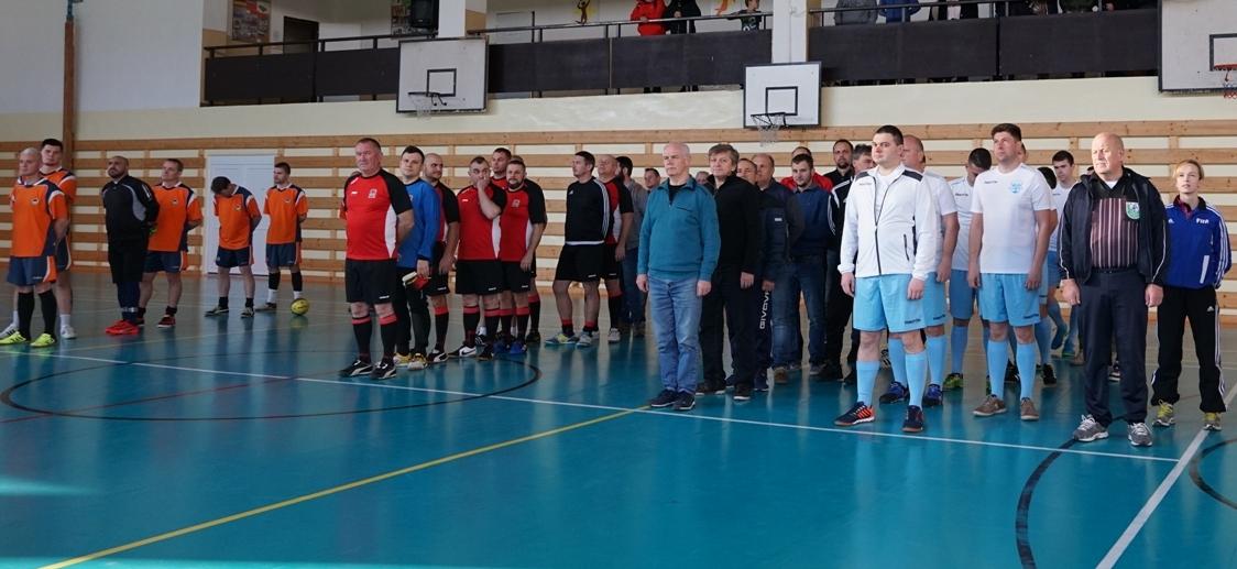 Традиційний футбольний турнір міст-побратимів, участь у якому взяла команда Ужгородської міської ради, відбувся напередодні у словацькому Міхаловце.