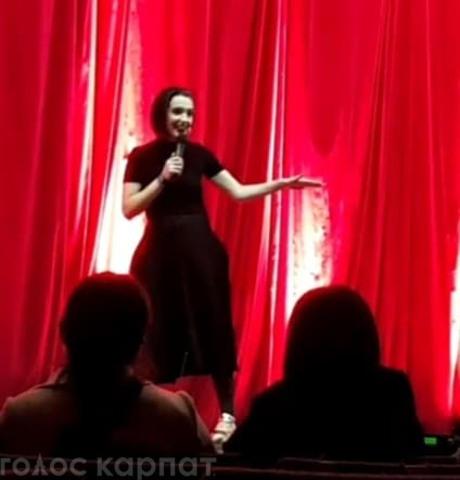 Сьогодні, 1 березня, в РБК м.Іршава пройшов сольний stand up знаної в краї гумористки Лери Мандзюк.