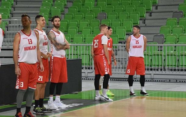 У сборной Венгрии шесть положительных тестов на коронавирус.