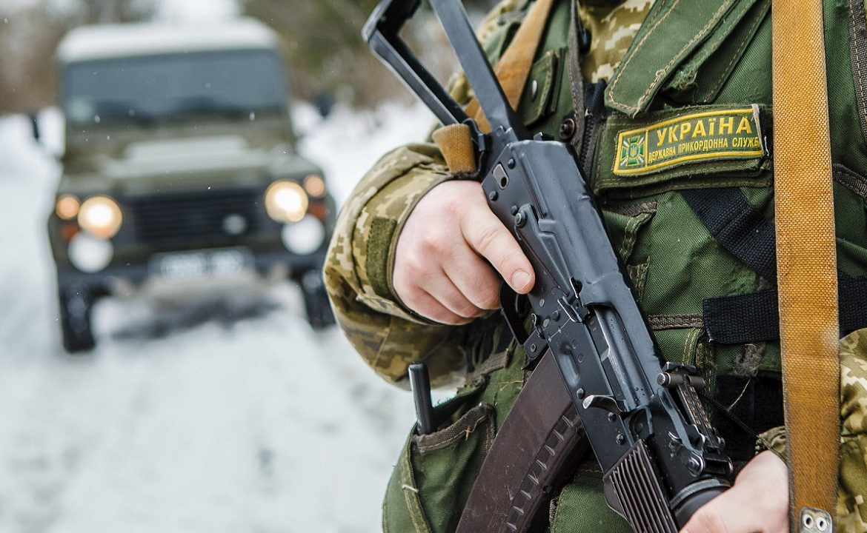 Черговий напад тютюнових контрабандистів на прикордонників Мукачівського загону зафіксували на Закарпатті.