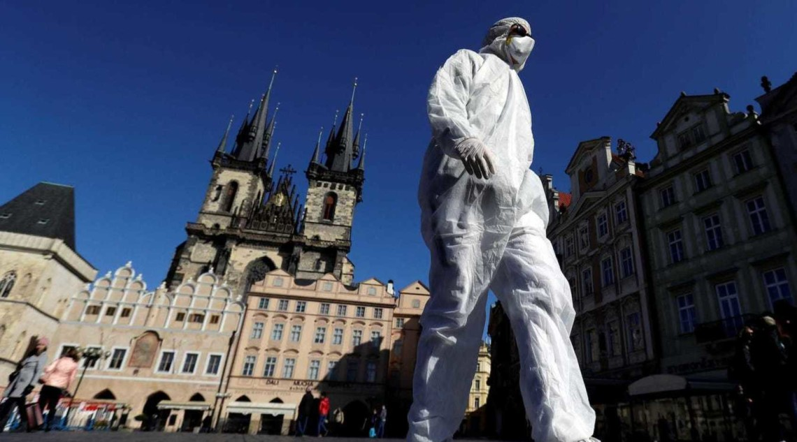 Чрезвычайное положение в связи с пандемией коронавируса закончится в понедельник в Чешской Республике.