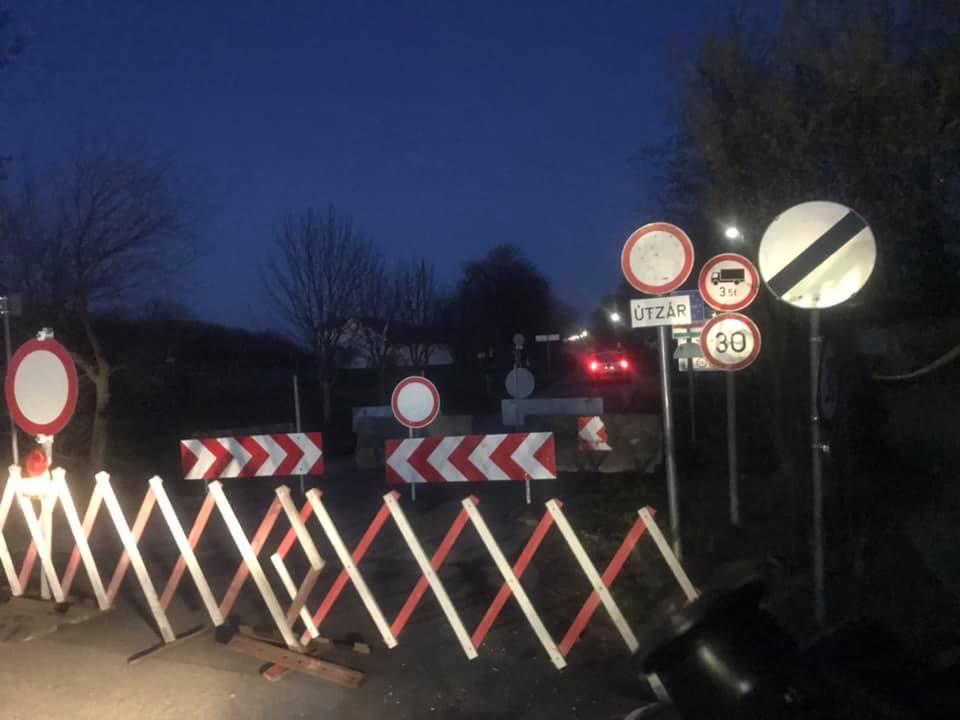 Про це повідомляють водії, які наразі їдуть через Угорщину до Закарпаття.