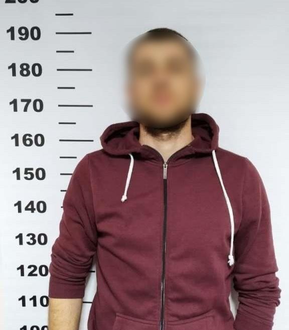 Учора ввечері у пункті пропуску «Тиса» прикордонний наряд затримав громадянина України, який перебував у розшуку за підозрою у скоєнні декількох злочинів.