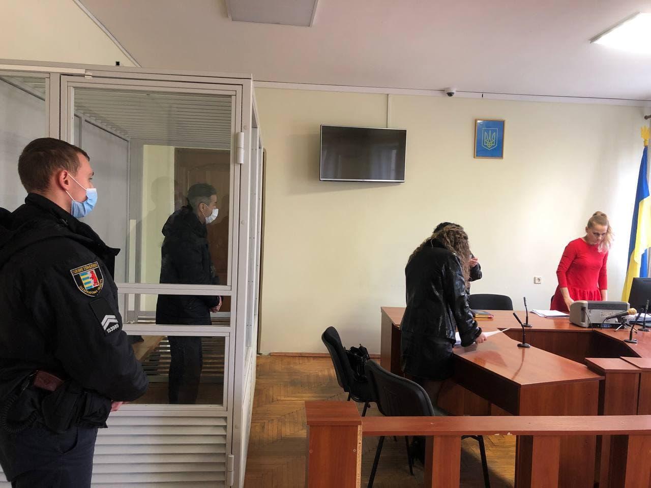 Тренеру із боксу, громадянину Казахстану Набіджану Артикову, днями оголосили підозру по частині 3 статті 156 Кримінального кодексу – насильство щодо неповнолітньої.