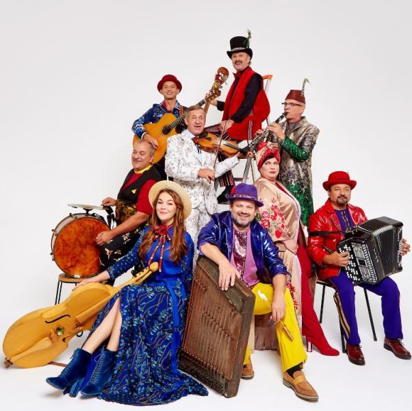 Програму сцени Global Village фестивалю Sziget 7 серпня відкриє дев'ять музикантів з Українських Карпат Hudaki Village Band.