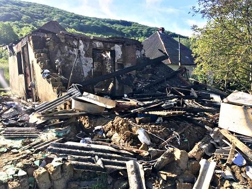14 травня о 17:50 до перечинських рятувальників повідомили про пожежу в житловому будинку в с. Ворочово. За вказаною адресою були направлені два відділення 1-ї ДПРЧ м. Перечина.