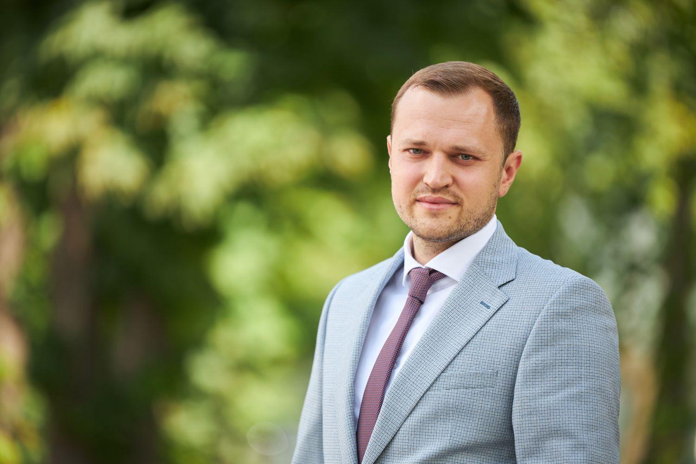 Андрій Жупанин займає посаду голови підкомітету з питань газової, газотранспортної галузі та політики газопостачання Комітету ВРУ з питань енергетики та житлово-комунальних послуг.