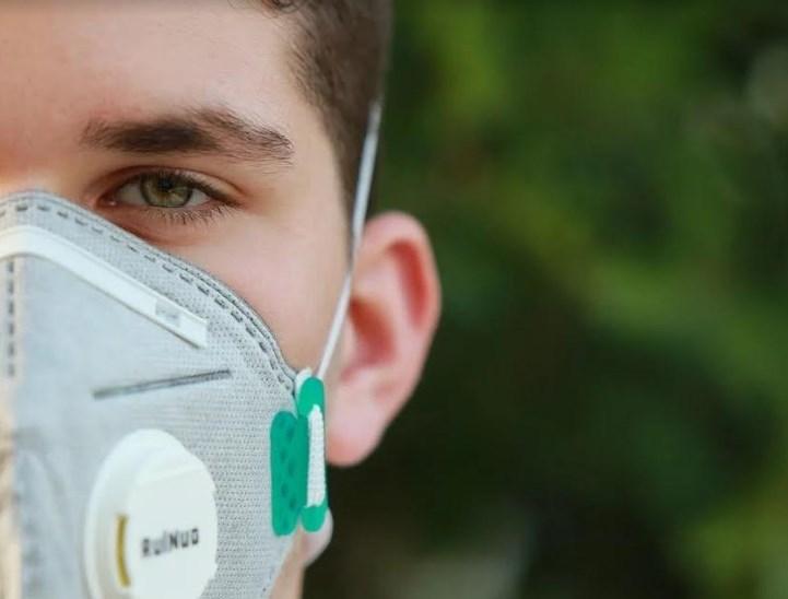 Його виявили 27 грудня в чоловіка, який разом ще з 23 пацієнтами лікувався від запалення легенів. Але позитивний результат на Covid-19 був лише в нього.