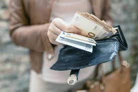 Національний банк України опублікував офіційний курс іноземних валют на католицьке Рождестово 25 грудня.
