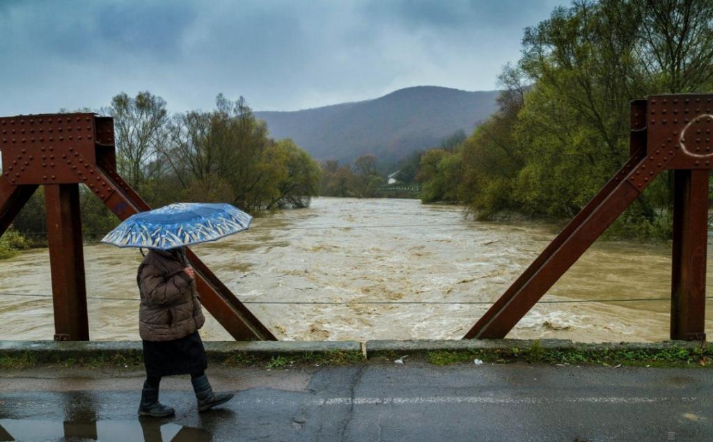 Рівень води в закарпатських річках піднявся.