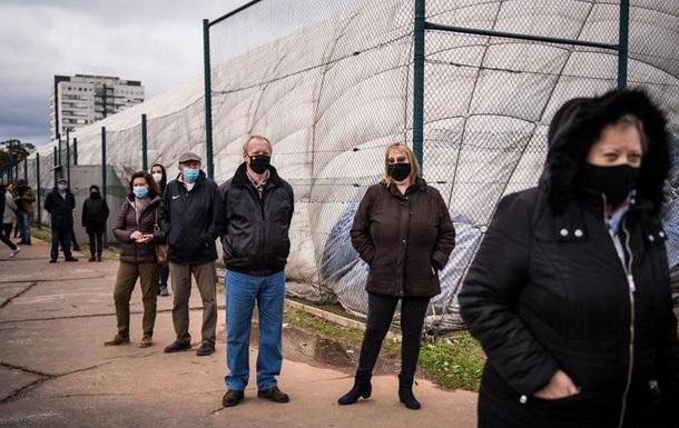 Низка країн Європи намагається протидіяти другій хвилі пандемії COVID-19 за допомогою обмежень на пересування та інших карантинних заходів. Словаччина ж робить ставку на масове тестування населення.