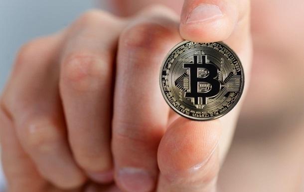 За добу криптовалюта подорожчала майже на 15%, вперше подолавши позначку в 34 тисячі доларів.