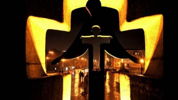 Житомиряни вшанують жертв голодоморів біля пам'ятника «Сумуючий Янгол»