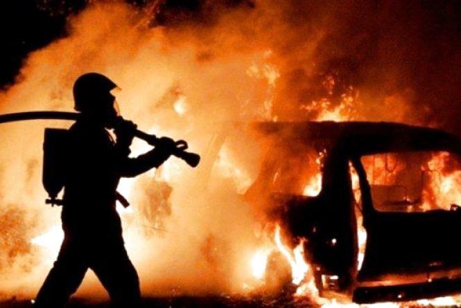 На Закарпатті згорів вантажний МАЗ.