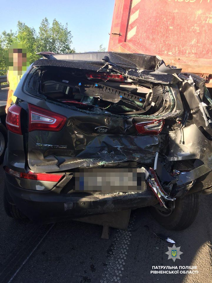 Закарпатець спровокував на Рівненщині ДТП за участі 5 автівок