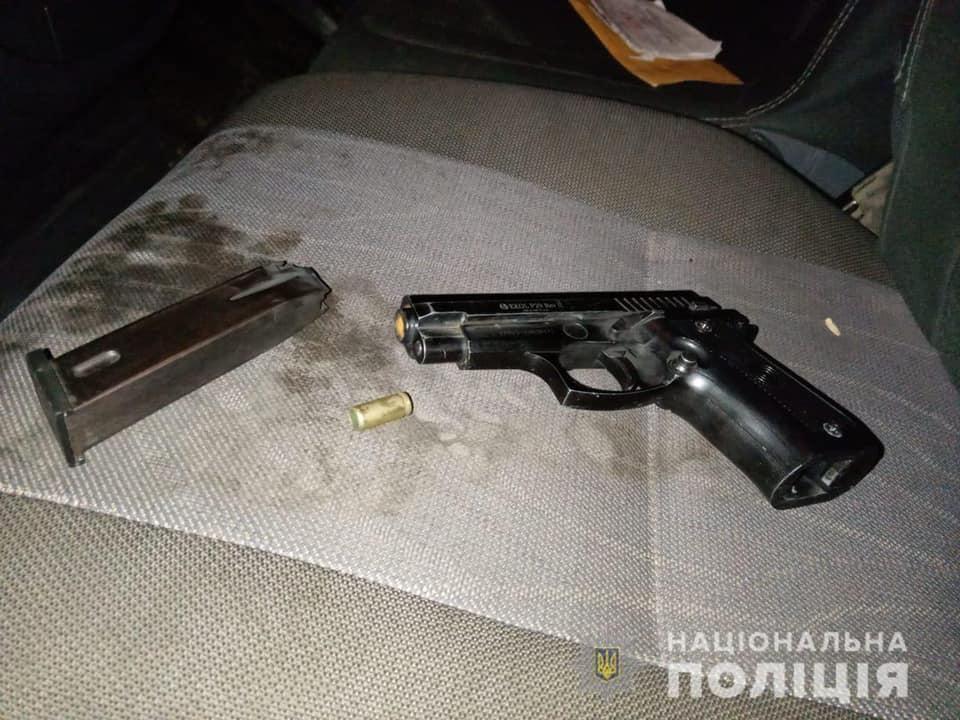 Менше ніж за годину зловмисника затримали в селі Сільце.