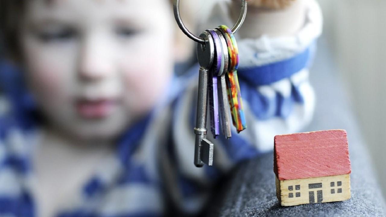 Загалом цього річ домівки одержать шестеро дітей-сиріт та дітей позбавлених батьківських прав.