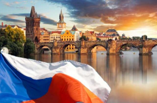 Чеська влада відновлює міжнародне сполучення, щоб до них могли приїхати іноземні робітники, яких потребує Чехія.