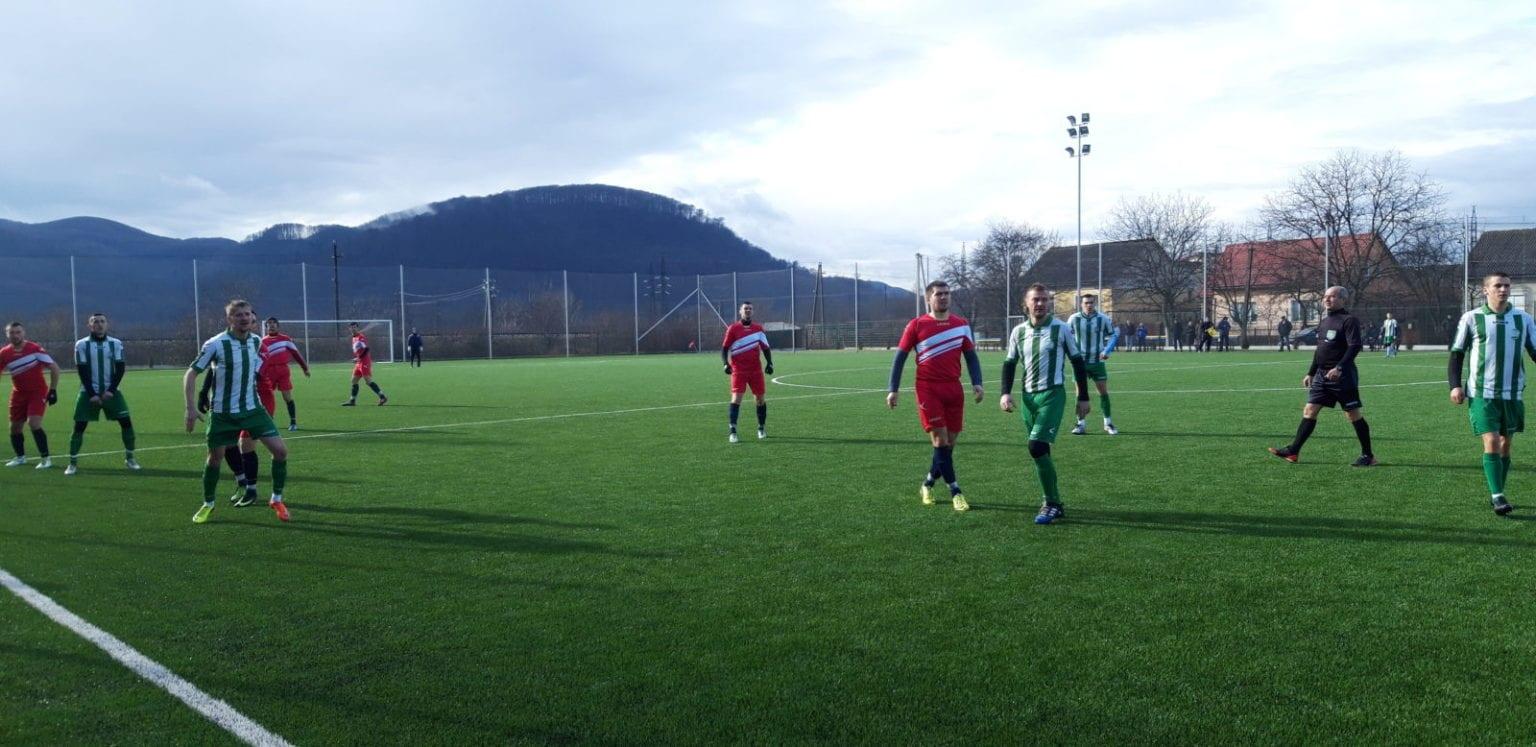 У неділю, 2 лютого, у місті над Тисою оновлена команда ФК «Хуст» обіграла свого суперника ФК «Карпати» (Дубове) з рахунком 4:1. Відтак відкрила Зимову першість Закарпаття перемогою.