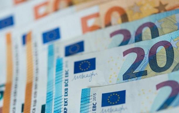 Из-за спора о привязке средств ЕС к соблюдению странами принципов верховенства права Венгрия и Польша наложили вето на пакет европейского бюджета с фондом коронавирусной помощи.