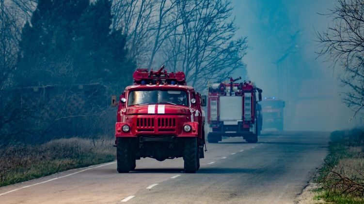 ДСНС України відзвітувало про повну ліквідацію пожежі в лісах зони відчуження Чорнобильської АЕС.