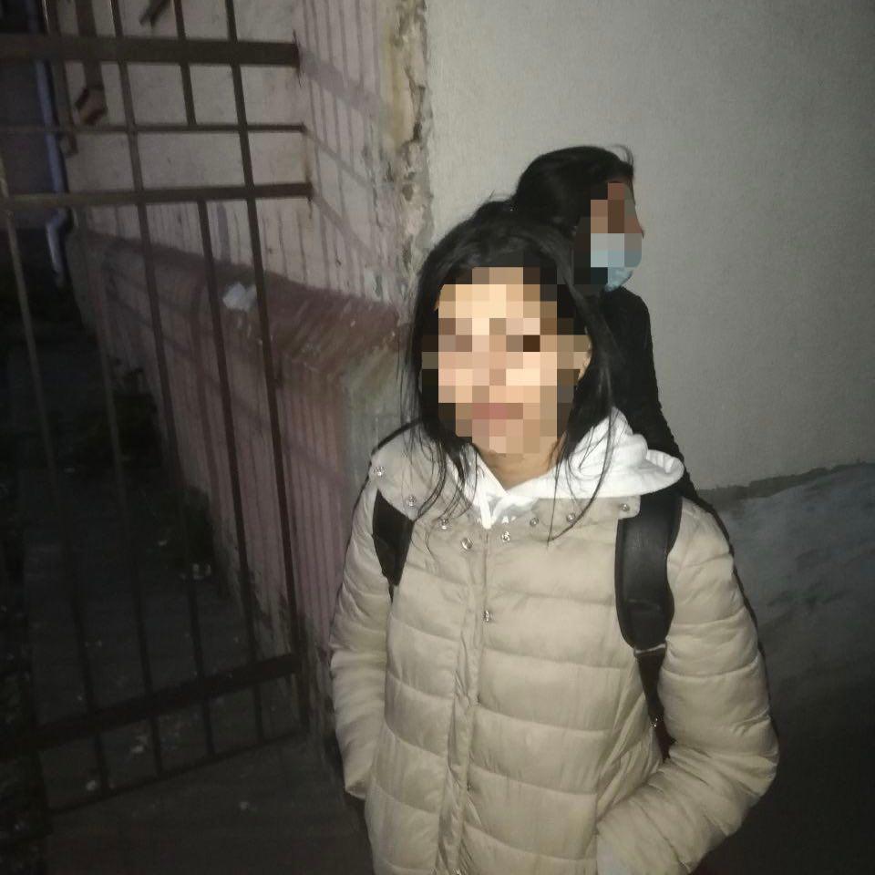 Інцидент трапився 6 травня, близько 20:40 на вулиці Антоновича біля приміщення прокуратури.