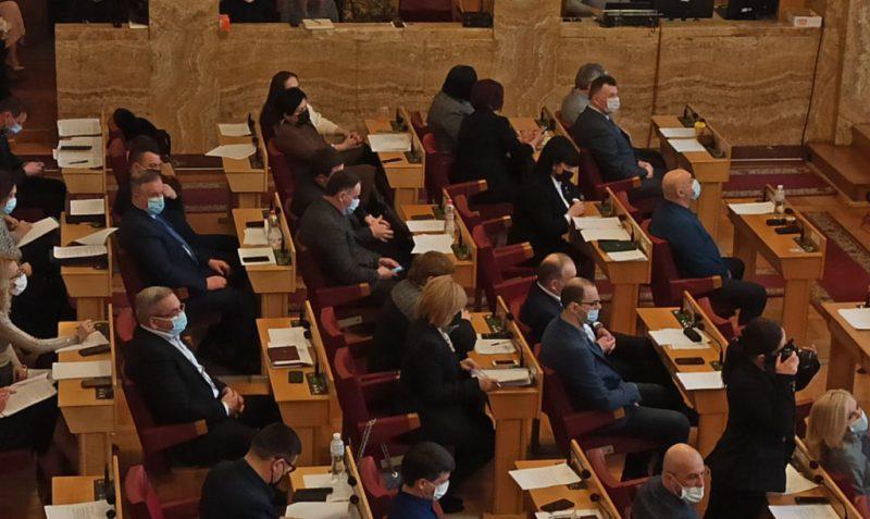 На Водохреще в Ужгороді відбулося позачергове засідання Закарпатської обласної ради.