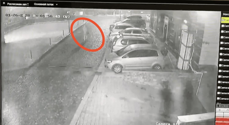 З'явилося відео з палієм автомобіля Посла України біля ресторану
