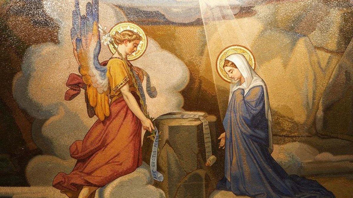 Считалось, что великий грех придает огонь Аннунциации.