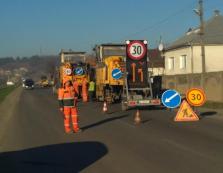 """Сьогодні на автодорозі """"Мукачево-Рогатин"""" дорожники почали попередні ремонтні роботи"""