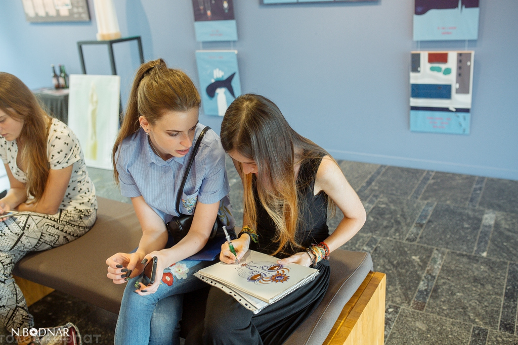 Юні закарпатські митці публічно захищали свої дипломні роботи  В Галереї Ілько розпочався публічний захист дипломних робіт студентів Закарпатської академії мистецтв