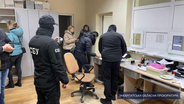 У Закарпатській області викрито незаконну схему збуту підприємствами фальсифікованого пального.