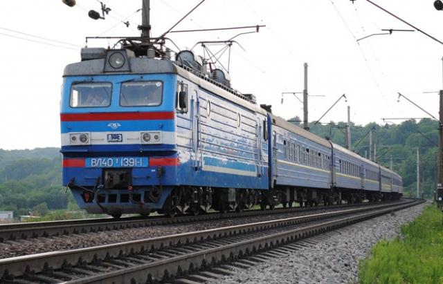 У зв'язку з проведенням ремонтних робіт на ст. Львів, а також на перегонах Стрільськ – Дубровиця та Ковель – Мацеїв зазнає тимчасових змін розклад руху кількох приміських поїздів.