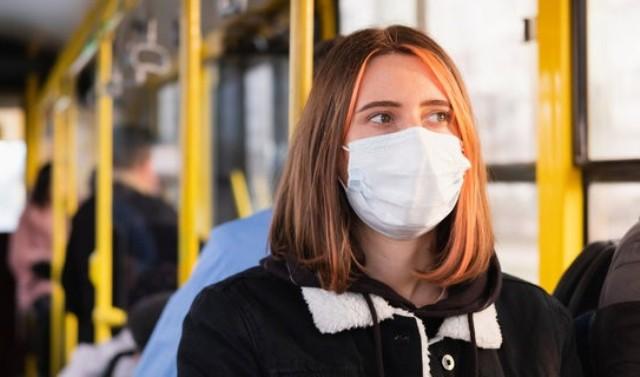 За минулу добу на Закарпатті зафіксовано 546 нових випадків коронавірусу та 15 смертей. Лише в Ужгороді за минулу добу від інфекції померли чотири людини.