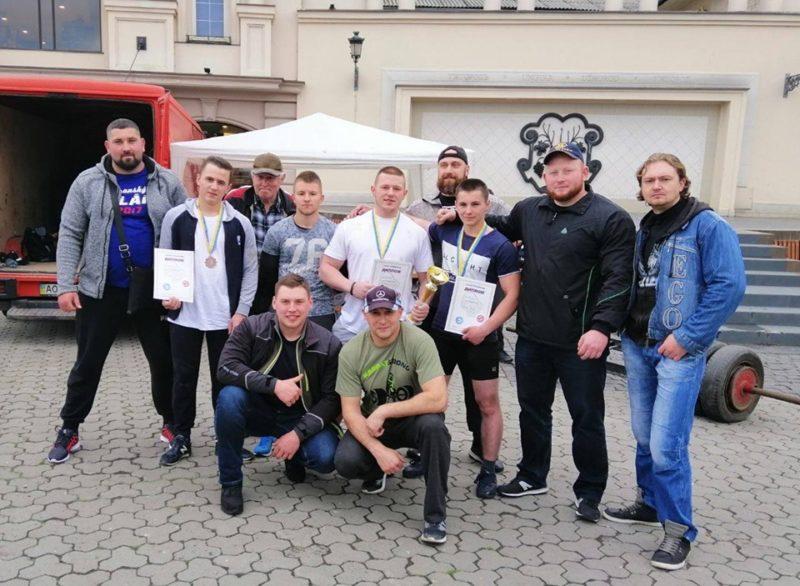 Олександр Штадлер з Мукачівщини переміг на конкурсі молодих силачів.