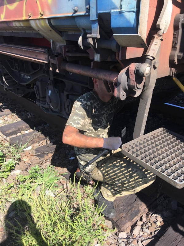Спробу незаконного переміщення тютюнових виробів через кордон попередили сьогодні по обіді військовослужбовці відділу «Тиса» у залізничному пункті пропуску «Чоп (Дружба)».
