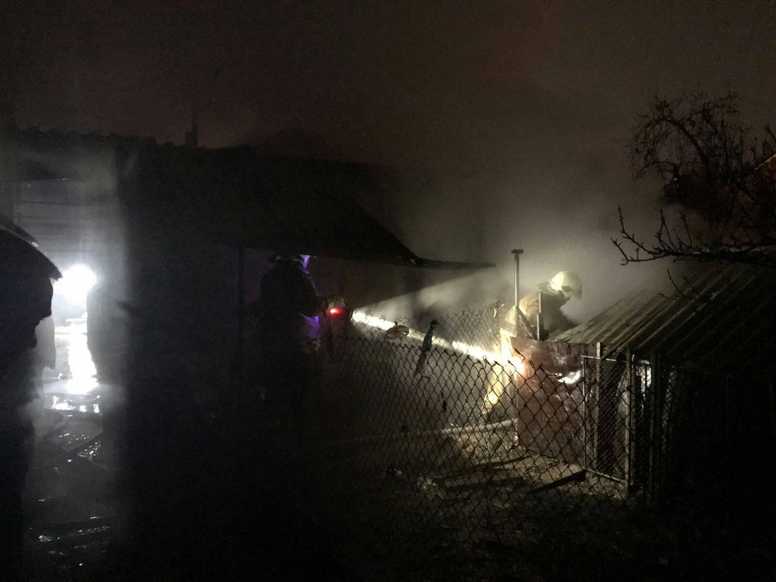У ніч на неділю  рятувальники ліквідували дві пожежі у м. Виноградів.