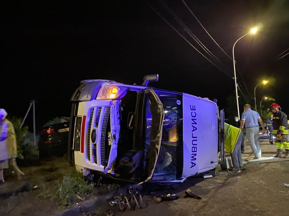 Авария произошла этой ночью на улице Собранецькій.