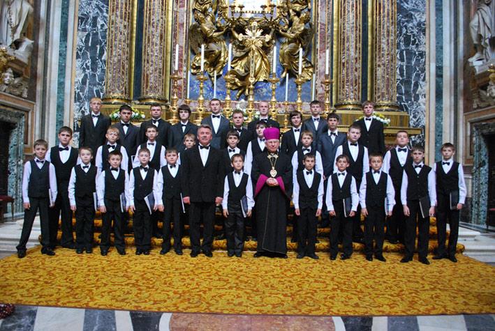 У Берегові виступатиме знаменитий хор хлопчиків та юнаків з Мукачева / АНОНС