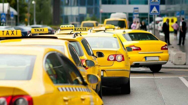Водіїв таксі хочуть змусити купувати патенти.